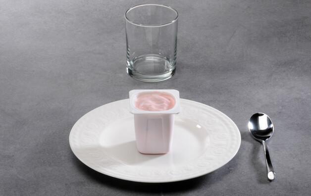 Yaourt ou spécialité laitière aux fruits (aliment moyen)